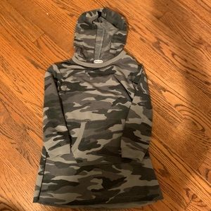Splendid army dress with hood